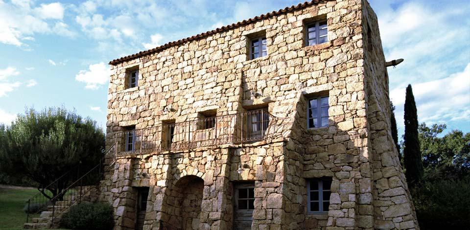 Maison corse faade pierres projet immobilier en corse for Achat maison corse du sud