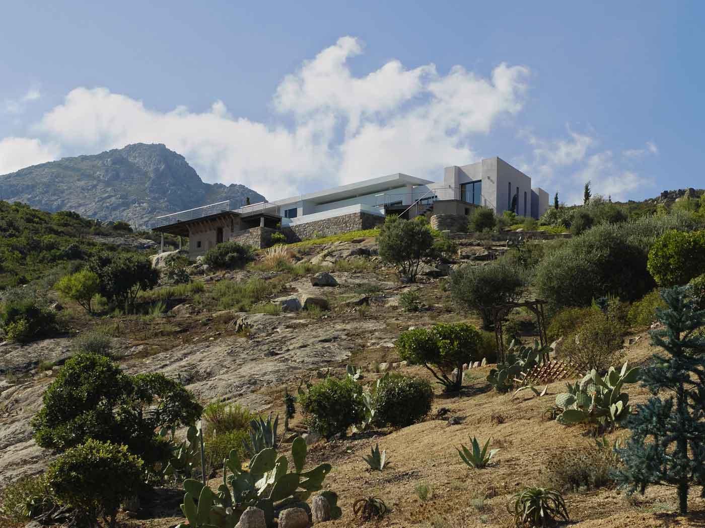 """Villa moderne en corse   archicasa.fr   villa """"phi"""""""